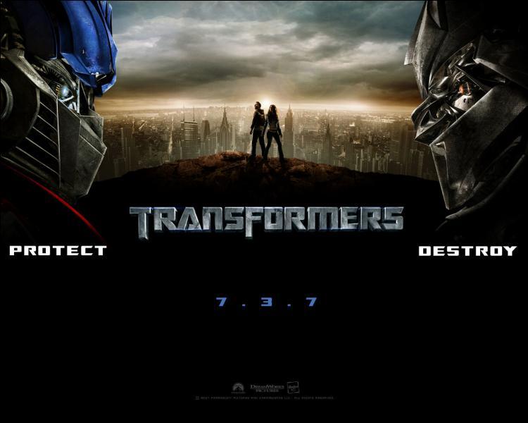 Position n°12. La saga  Transformers , dont le premier volet est sorti en 2007, a su passionner les foules. Si Steven Spielberg a produit le premier film, il ne l'a pas réalisé. Qui a donc bien pu être présent derrière la caméra ?