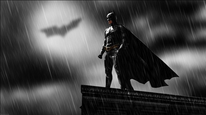 Position n°7. Après Superman et Spider-Man, on ne pouvait pas oublier Batman. Ce super-héros a lui aussi fait peau neuve grâce à la trilogie de Christopher Nolan. Série de films au casting impressionnant, quel acteur du premier volet ne retrouve-t-on pas dans les deux suivants ?