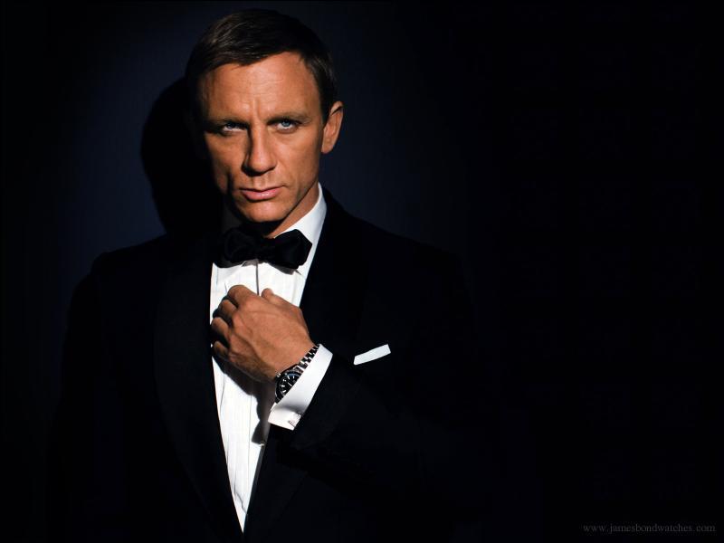 Position n°2. Franchise indémodable adaptée d'après l'œuvre de Ian Fleming, la saga  James Bond  comporte 25 films. Quel acteur a interprété le plus de fois le célèbre agent secret parmi les propositions ?