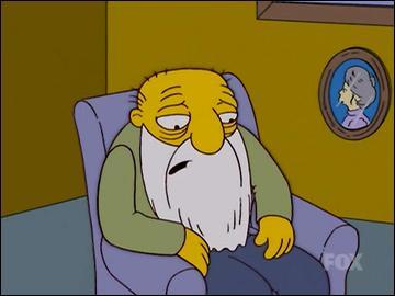 C'est un retraité de plus de 90 ans, le meilleur ami d'Abraham Simpson et son colocataire à la maison de retraite. Il porte une longue barbe blanche, parle très lentement et marche couramment avec une cane.