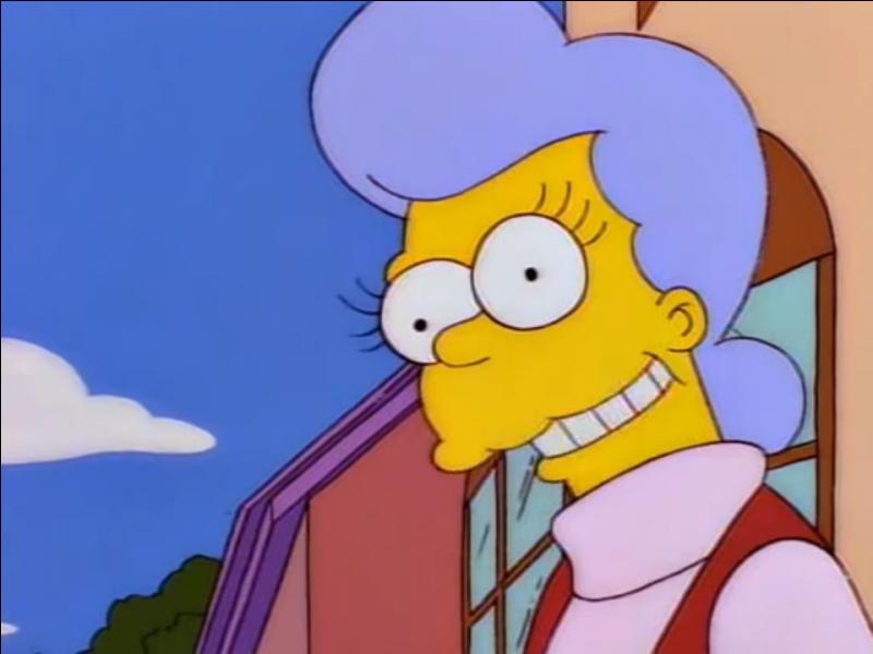 C'est la mère d'Homer Simpson.