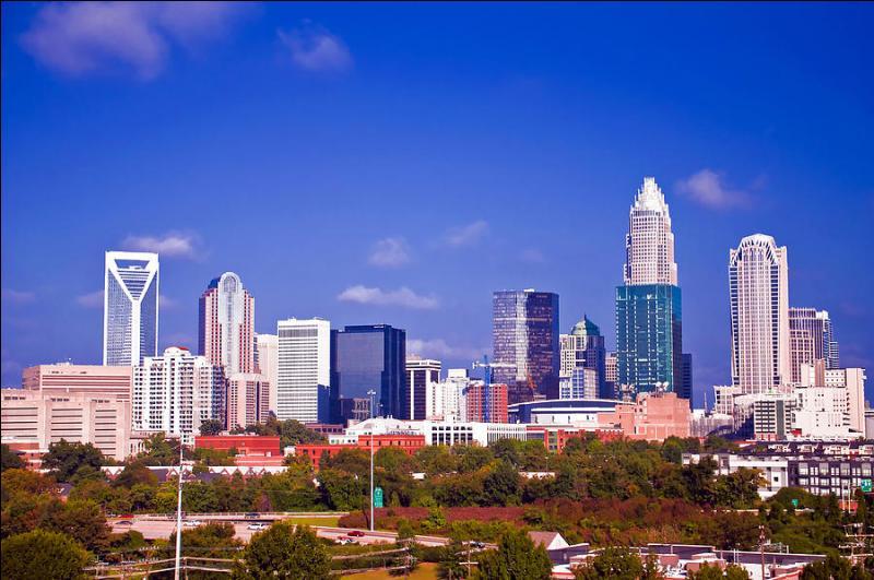 Surnommée  the Queen City , dans quel état américain la ville de Charlotte est-elle localisée ?