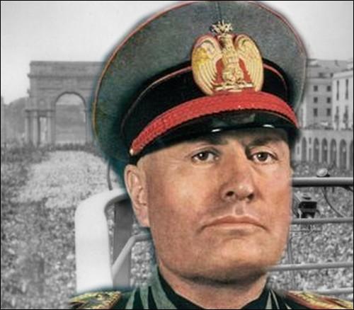 Comment se nomme le pacte signé dès 1939 entre l'Italie fasciste de Benito Mussolini et l'Allemagne nazie d'Hitler, scellant officiellement l'alliance Italo-allemande ?