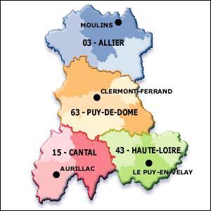 L'Auvergne est une région volcanique. Quelle est la chaîne de montagnes (ou de volcans) la plus ancienne de ce massif ?