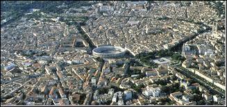 Il s'agit d'un petit monument de la ville de Nîmes (le moins connu de tous) mais qui a été très important pour les Romains à cette époque. Lequel est-ce ?