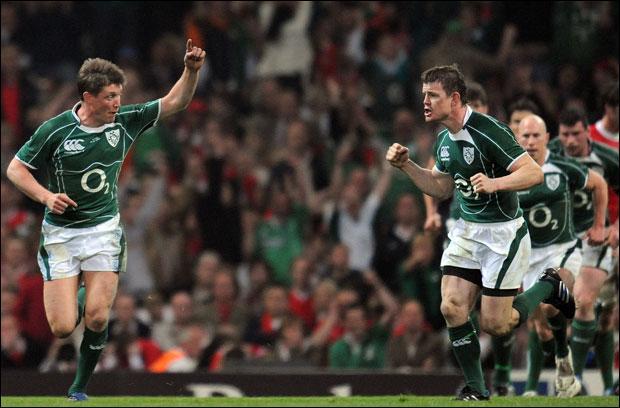 Quel joueur de rugby irlandais, considéré comme l'un des plus grands sportifs de son pays et de son sport d'une manière générale, a inscrit un drop-goal à la 78ème minute contre le Pays de Galles, dans le Tournoi des Six Nations 2009, permettant à l'Irlande de remporter son premier Grand Chelem depuis 1948 ?