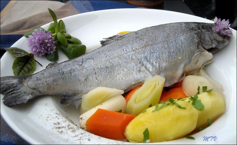 Quel poisson peut être préparé  au bleu  ?