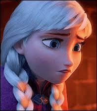Que fait Elsa à sa sœur Anna ?