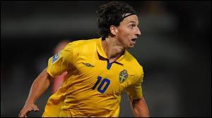 En quelle année Zlatan honora-t-il sa première sélection avec l'équipe nationale de Suède (ce fut face aux Îles Féroé) ?