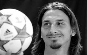 Nous sommes en janvier 2014. Laquelle de ces distinctions footballistiques n'a jamais remporté Zlatan Ibrahimovic ?