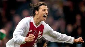 En juillet 2001, Zlatan signe avec l'Ajax Amsterdam. Après une première saison difficile, Zlatan devient un joueur clé lors de la seconde saison, grâce à l'arrivée d'un nouvel entraineur au sein du club néerlandais. Qui était-ce ?