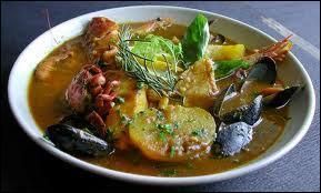 Ce département doit son nom à un delta... Son chef-lieu est Marseille et parmi ses spécialités, on trouve le pastis, la bouillabaisse et l'huile d'olive.