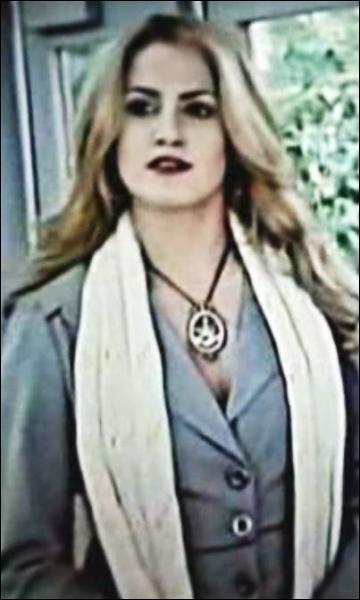 Qui interprète Rosalie Cullen ?