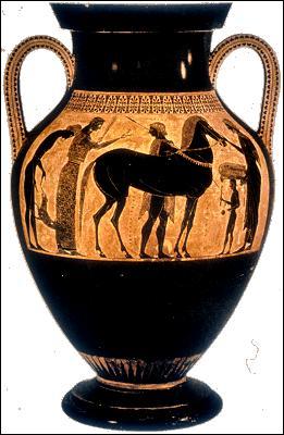 Plantes étranges et animaux fabuleux laissent place à l'homme. À partir du VIe siècle, les peintres représentent des scènes de la vie courante, comme des banquets ou des départs pour la guerre, et des scènes de mythologie. Sur le fond rouge de l'argile, les personnages se détachent en de noires silhouettes. Des incisions rendent les détails du vêtement. Comment nomme-t-on cette « technique » ?