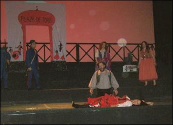 Comment meurt Carmen ?