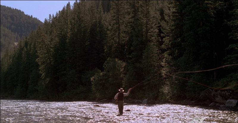 En 1992, Brad Pitt est considéré comme l'égal de Robert Redford lorsque le premier tourne dans  Et au milieu coule une rivière , réalisé par le second. Quelle passion familiale est dépeinte dans ce film magnifique ?