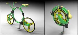 Et si fatigué de trop rouler, que diriez-vous de ce petit vélo pliant, signé...