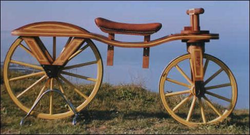 C'est le nom de l'un des ancêtre de la bicyclette, mû par l'action des pieds sur le sol, d'un côté puis de l'autre :
