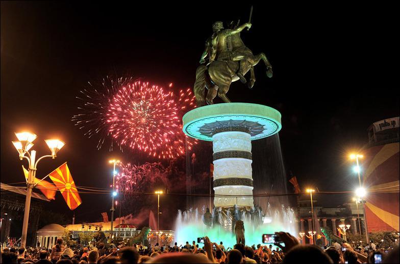 Tirana, la capitale de l'Albanie, a t-elle été l'objet d'une opération d'urbanisme suite à la destruction de son patrimoine architectural dans les années 1960 ?
