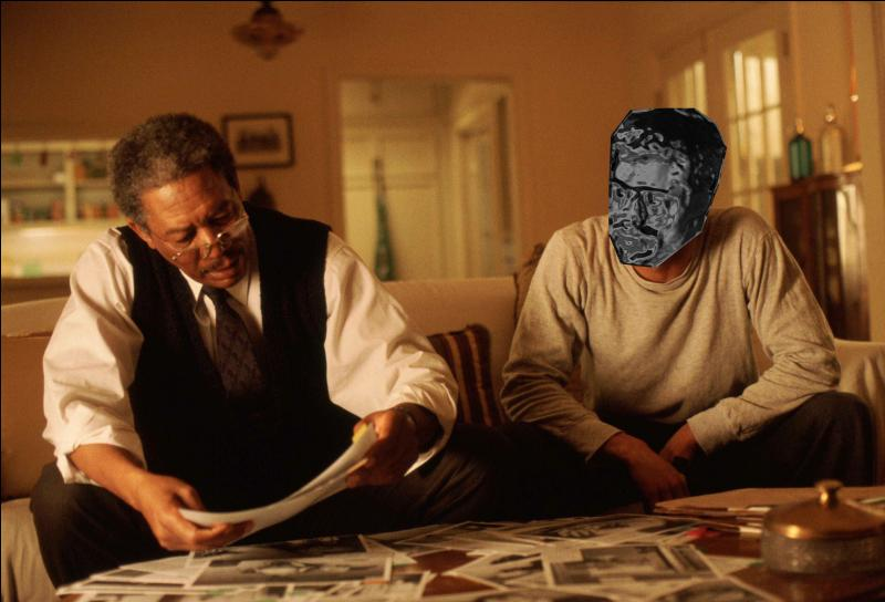 Qui forme le duo de policiers avec Morgan Freeman dans  Seven  ?