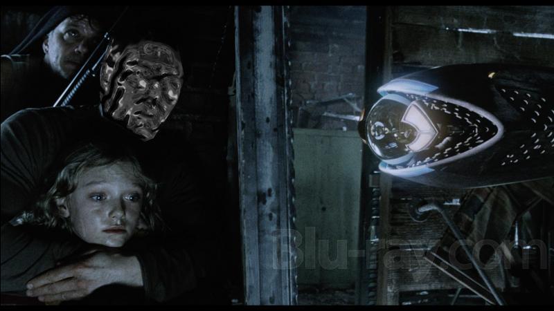 Dans  la Guerre des mondes , Ray doit fuir des envahisseurs extraterrestres. Qui en joue le rôle ?
