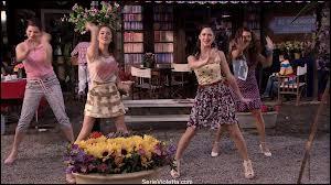 Violetta et Francesca chantent ce clip qui s'intitule :