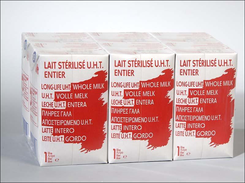 Par quel procédé est stérilisé le lait vendu en briques dit UHT ?
