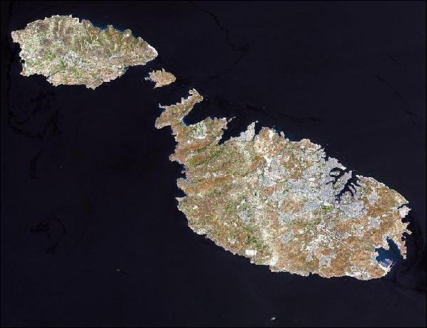 La République de Malte est un archipel. Combien d'îles compte t-il en tout ?