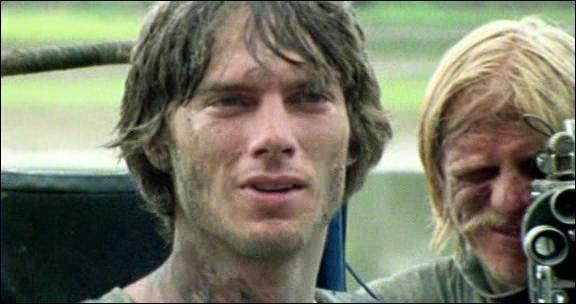 A sa sortie en 1980, ce film ultraviolent suscite une vive polémique, au point que le réalisateur doit prouver devant un tribunal que les acteurs sont toujours vivants ! Quel est ce film ?