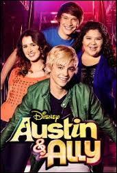 Trish et Dez sont des amies et travaillent aux côté d'Austin mais que font-elles ?