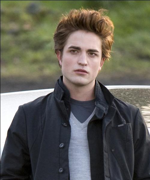 Quel acteur joue Edward Cullen ?
