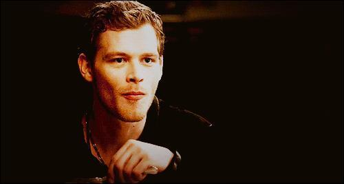 De qui Klaus est-il amoureux ?