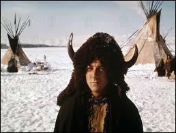 Dans quel film sorti en 1970 Dustin Hoffman interprète-t-il Jack Crabb ?