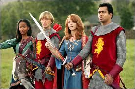 Quel film sorti en 2007 parodie de nombreux films dont Narnia, X-Men, Harry Potter ou encore Charlie et la chocolaterie ?