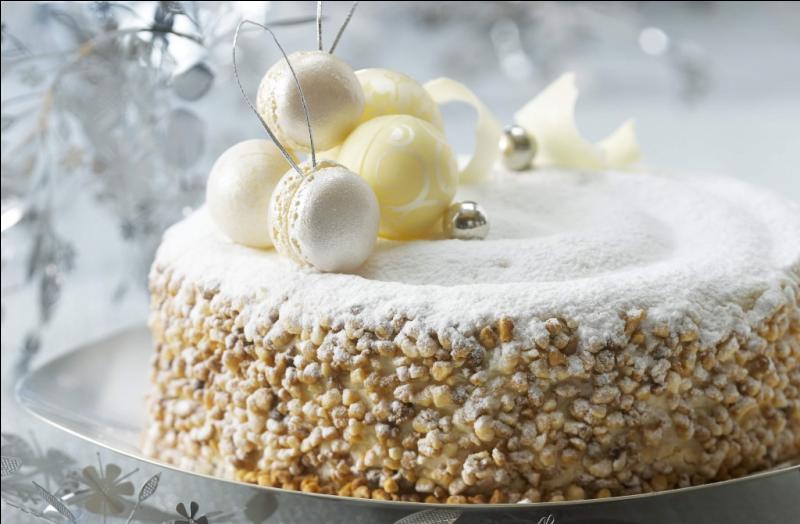 Voilà le gâteau, c'est une création de Gaston Lenôtre, le reconnaissez-vous ?