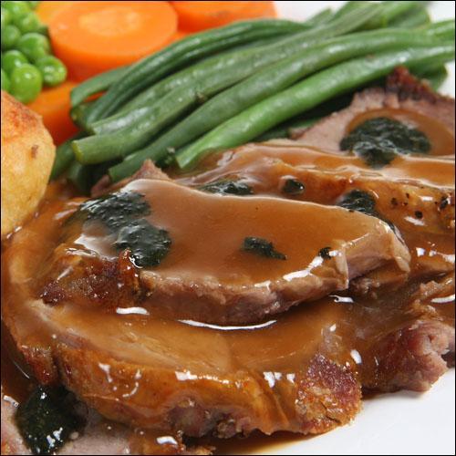 D'autres vont opter pour le filet de boeuf accompagné d'une sauce à base de beurre, porto (ou Madère) et truffes :