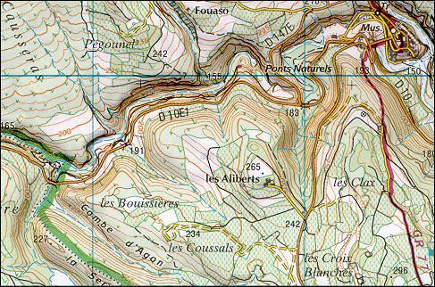 Sur une carte au 1/25 000e, un centimètre sur la carte représente ------ sur le terrain.