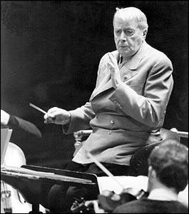 Charles Münch, chef d'orchestre de Boston, spécialiste de Ravel et de la musique française.