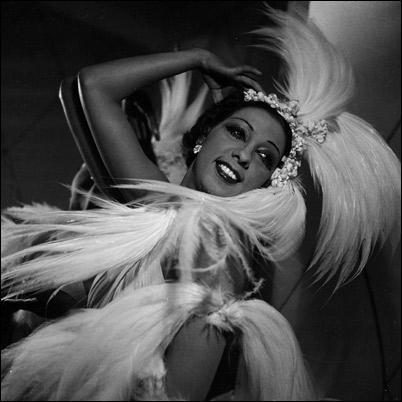 Joséphine Baker, chanteuse et danseuse.  J'ai deux amours  ...