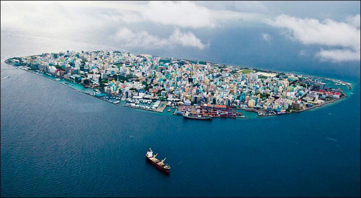 Malé, atolls, république, tsunami 2004 !