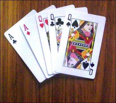 Comment s'appelle cette combinaison de cartes à jouer au poker ?