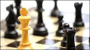 Une partie d'échecs se termine lorsqu'un joueur est échec et mat. Ce terme vient du persan  Shat Mat  qui signifie :