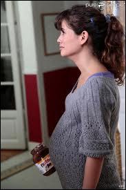 Quel âge a Clem quand elle tombe enceinte ?