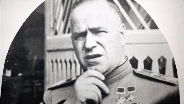 Quel est le poste qui sera confié à Joukov suite à son retour, après la mort de Staline ?