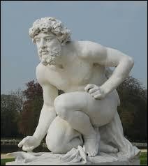 Dieu des Enfers et des richesses souterraines, il est assimilé au dieu grec Hadès. Il se nomme ...