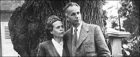 De qui Elsa Triolet, femme de lettres, fut-elle l'inspiratrice attitrée ?