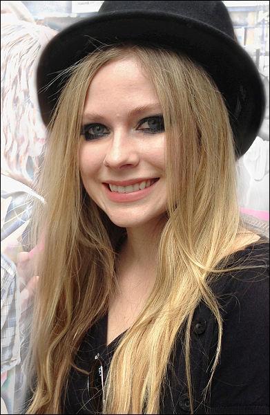 Avril Lavigne, chanteuse canadienne !