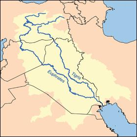 L'écriture sumérienne, cunéiforme, fait son apparition. Où se situent les plaines de Sumer ?