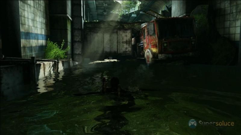 Dans quel véhicule Joel tombe-t-il puis par la suite dans l'eau ?
