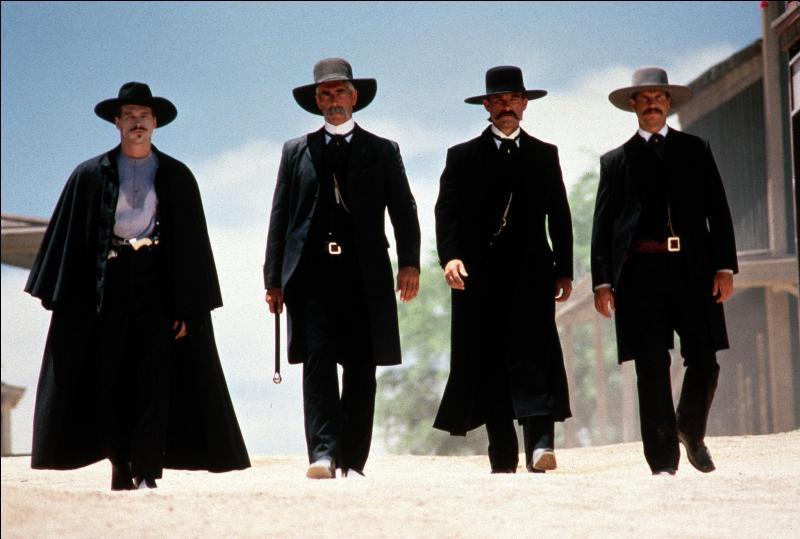 En 1993,  Tombstone  raconte les événements mythiques vécus par Wyatt Earp en Arizona comme la fusillade d'OK Corral. Quelles sont les années retracées dans ce film ?